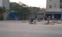 *** *** mặt đường chân cầu Vĩnh Tuy